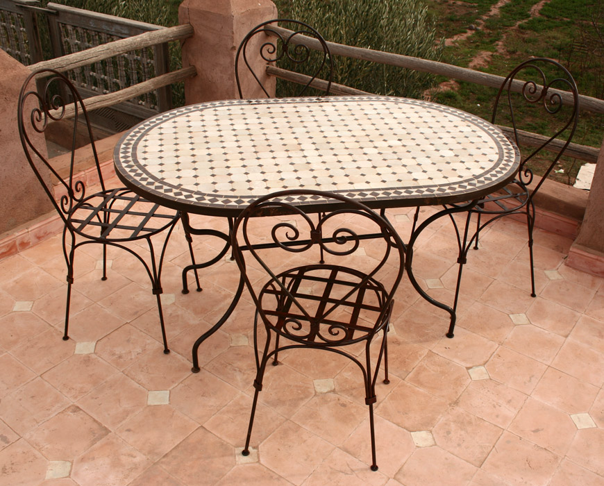 Emejing table de jardin mosaique ovale gallery awesome - Table jardin fer forge occasion ...