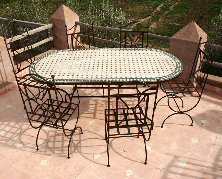 Beautiful table de jardin zellige ronde gallery awesome interior home satellite - Table de jardin ceramique et fer forge ...