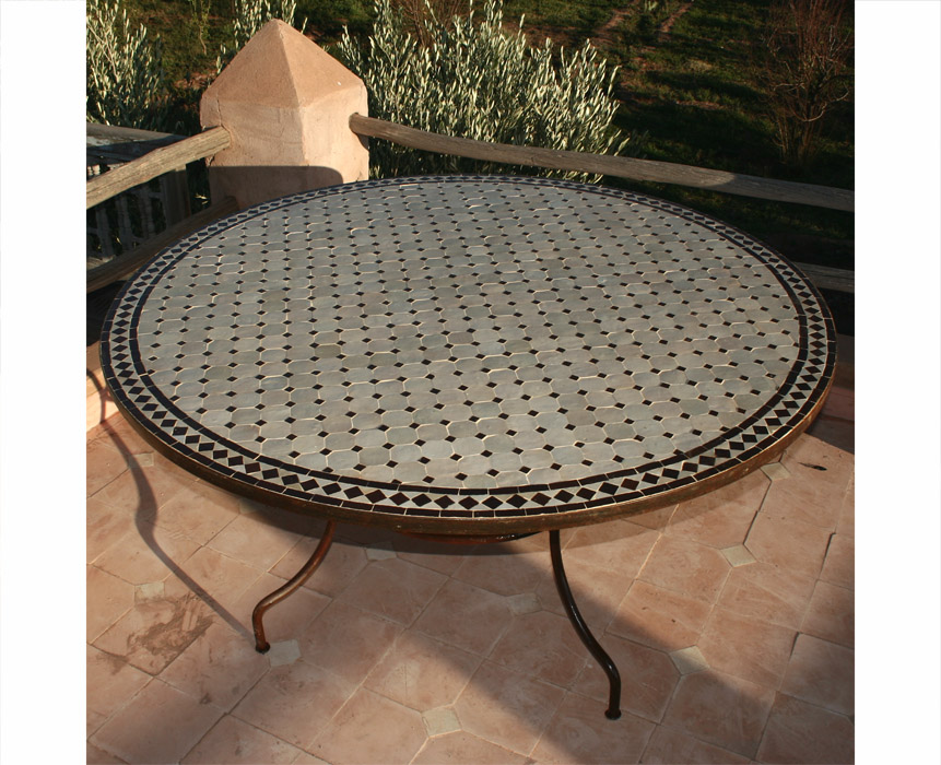 Table ronde mosaique /zellige Jardin Tables Tables Tables de ...